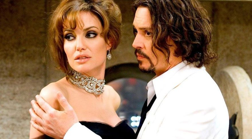 Johnny Depp'ten Angelina Jolie'ye destek