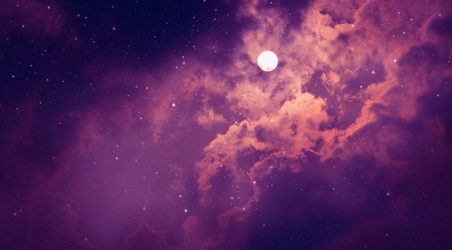 Ay'ın boşlukta olması demek, Ay'ın bir burçtan başka bir burca geçerken hiç bir gezegenle kontak kurmaması anlamına gelir. Ay'ın boşlukta olduğu zamanlar ve saatler, aslında bir nevi boş işler zamanıdır arkadaşlar. Yeni hiç bir işe, projeye veya ilişkiye başlamak için hiç uygun değildir. Çünkü girişilen tüm işler her türlü askıda ve havada kalır.