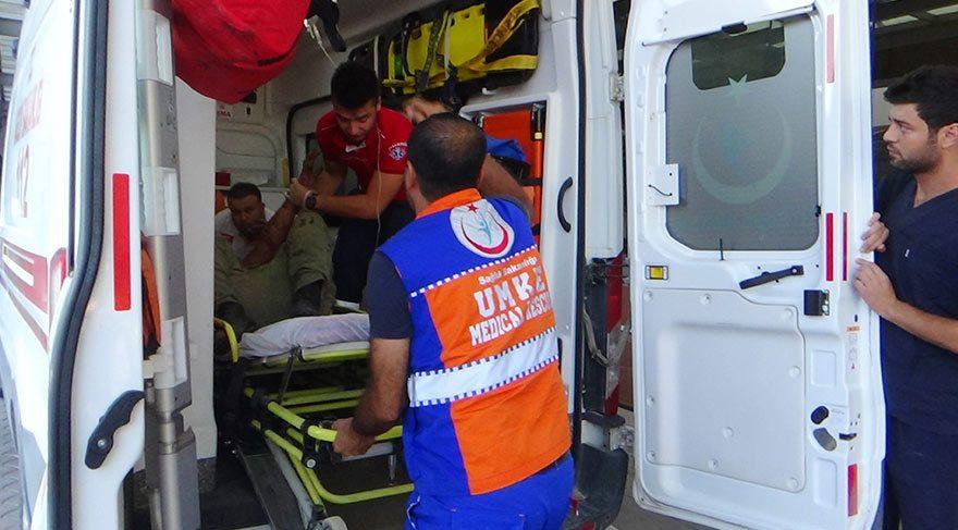 Yaralı askerlere sağlık ekiplerince böyle müdahale edildi