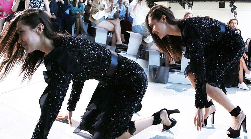 Bella Hadid defilede yere düştü