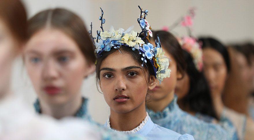 Bora Aksu defilesi Londra Moda Haftası'nda