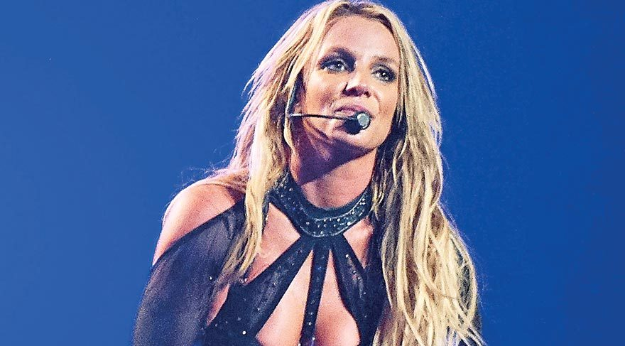 Britney küllerinden doğdu