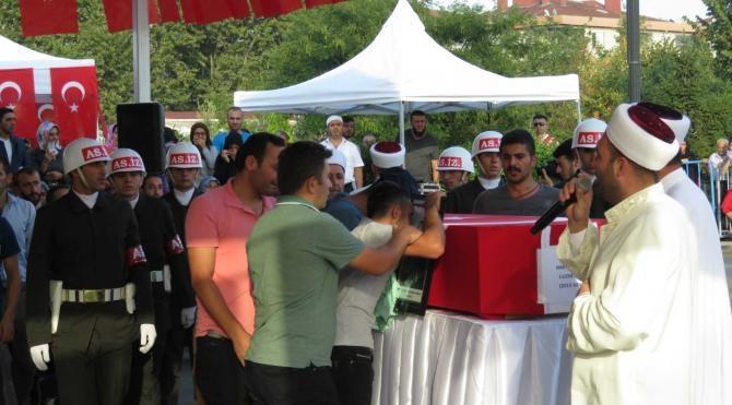 Şehit Jandarma Uzman Erbaş Hakkı Doğan'ın son yolculuğuna uğurlandı