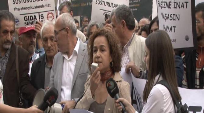 Beyoğlu'nda KHK ile televizyon kanallarının kapatılması eylemi