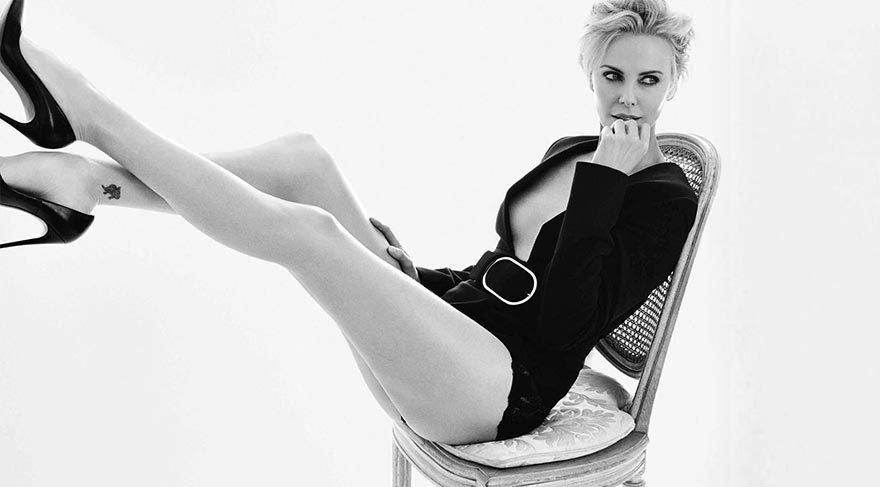 Charlize Theron'un Meksika'da tatil keyfi