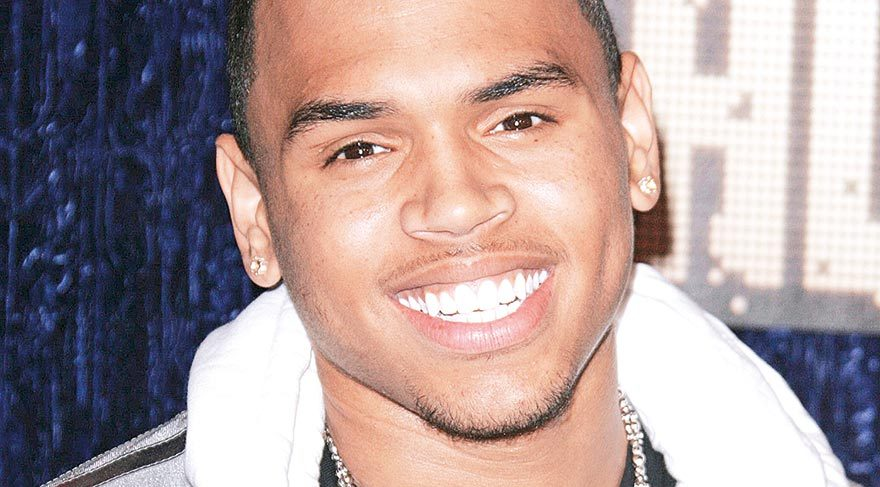Chris Brown bu sefer tutuklandı
