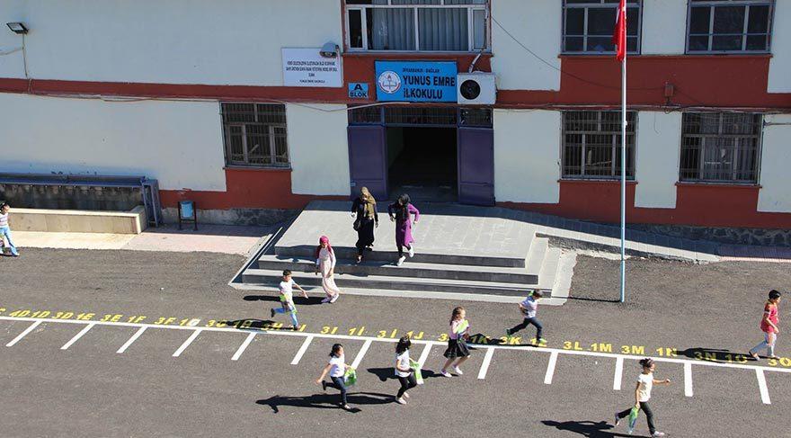Diyarbakır'da bazı okul idarecileri gazetecileri kovaladı