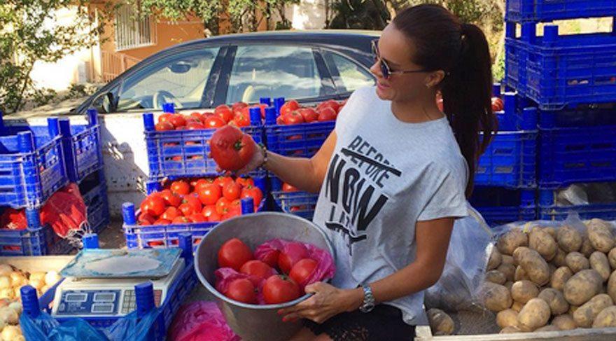 Ebru Şallı sağlık kaynağı domatesi görünce