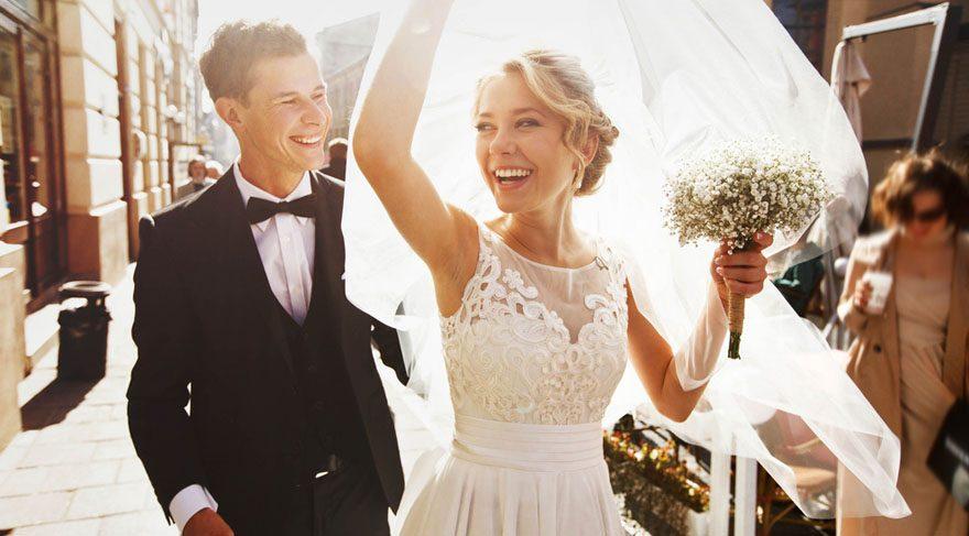Yengeç: Geleceğe yönelik yeni planlar yapmak ve bu planları gerçekleştirmek adına da şanslarla karşılaşabilirsiniz. İyi haber de evlenme olasılığınızın olması! Bu 13 aylık dönemde sadece ev almak değil, evlenme şansınızda oldukça yüksek!