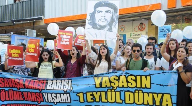 Che Guevara lı Dünya Barış Günü eylemi