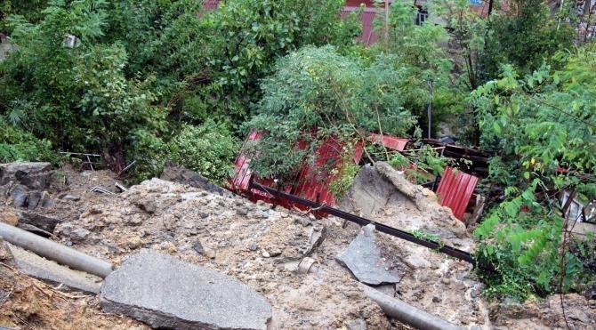 Zonguldak'ta heyelan: 1 ev yıkıldı, 6 ev boşaltıldı