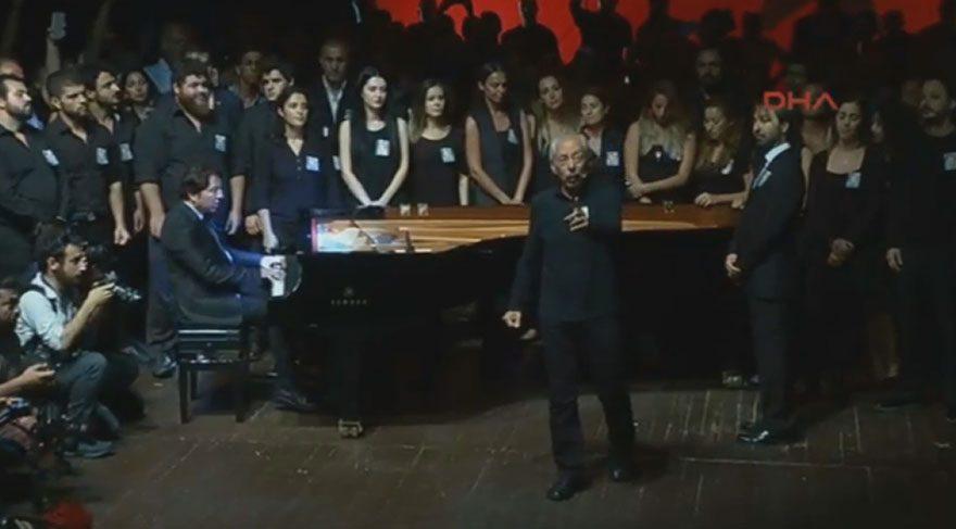 Genco Erkal ve Fazıl Say Tarık Akan için sahnede