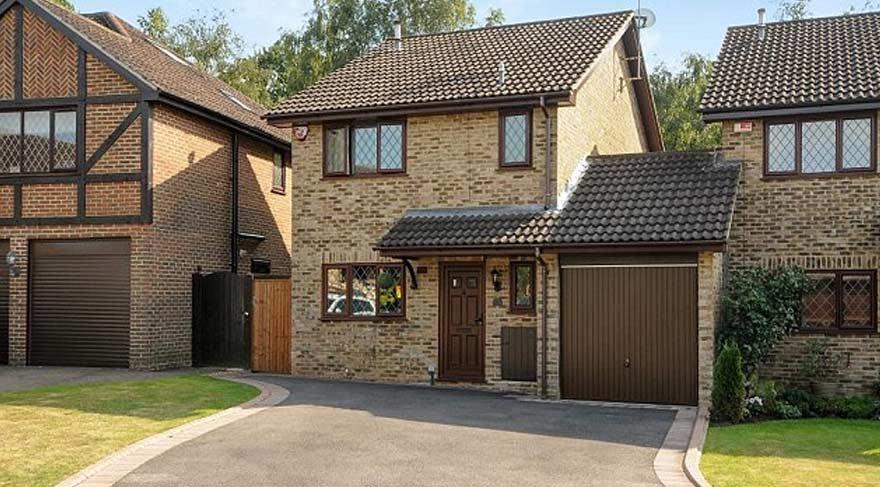 Harry Potter'ın büyüdüğü ev satılıyor