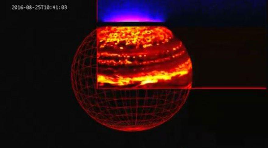 Jüpiter ilk kez bu kadar yakından görüntülendi