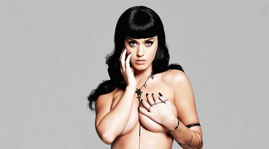Katy Perry, Hillary Clinton'a destek için soyundu