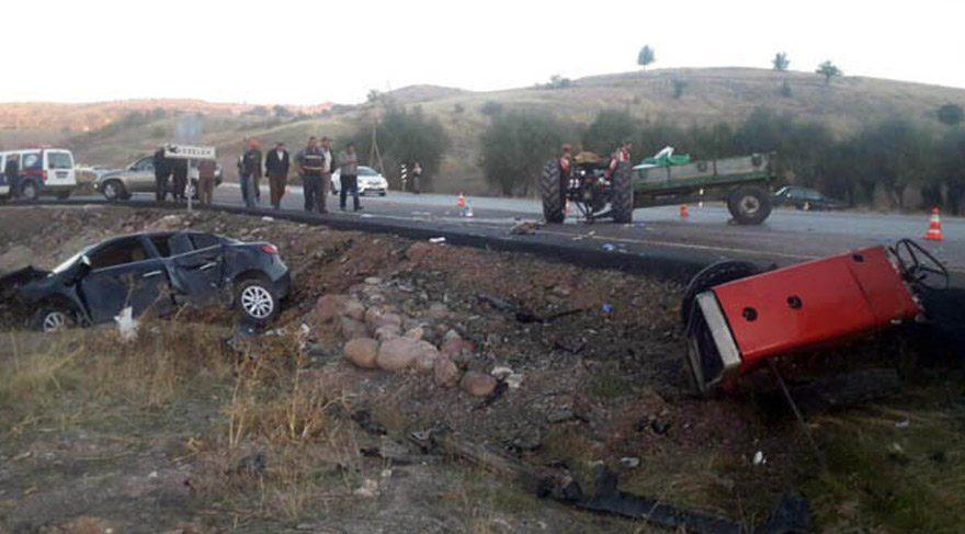 Makam aracı kaza yaptı! Başkanın içinde bulunduğu araç…