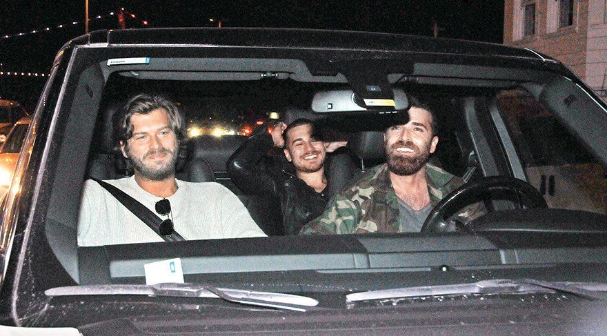 Kıvanç Tatlıtuğ ve Çağatay Ulusoy'un maç sonrası kaçamağı