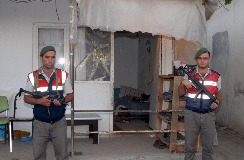 FOTO:DHA - Jandarma olayla ilgili soruşturma başlattı.