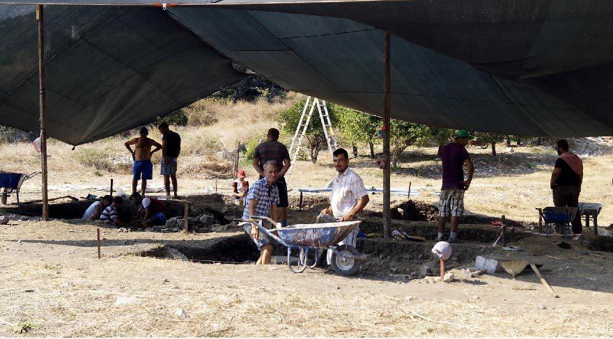 Limyra Antik Kenti'nde yeni kazı alanları açıldı