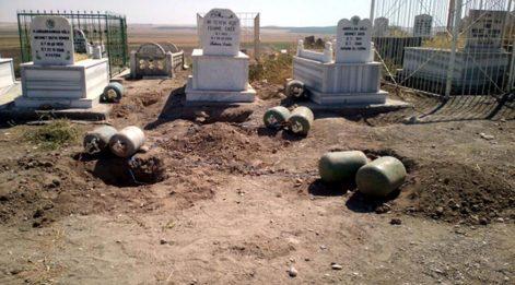 Son dakika haberleri.. AKP'li Mehdi Eker'in aile mezarlığında 640 kilo patlayıcı bulundu