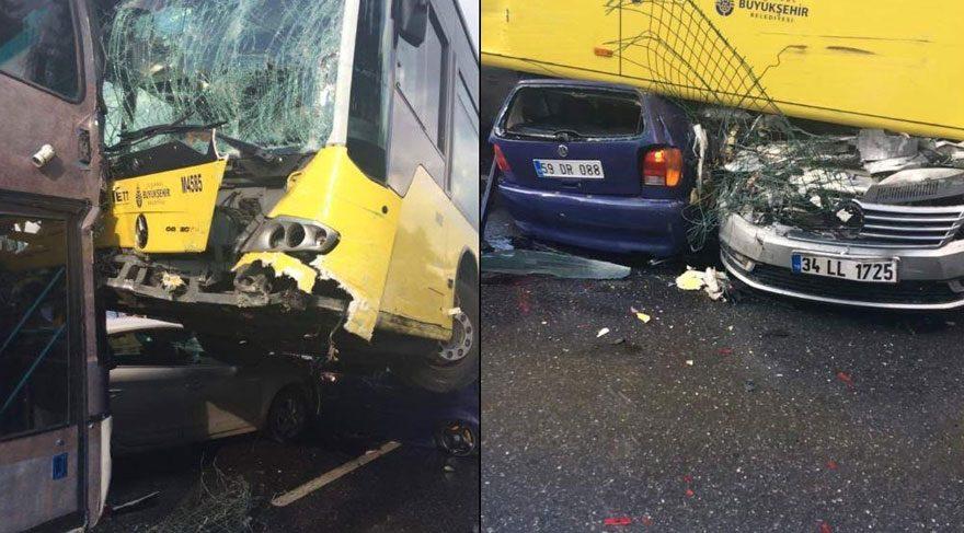Son dakika haberleri... Acıbadem'de metrobüs yoldan çıktı