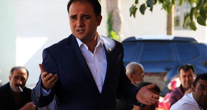 FOTO:�HA-Ar�iv Manisa Milletvekili Murat Baybatur'un savc�ya 'f�r�a att���' iddia edildi.