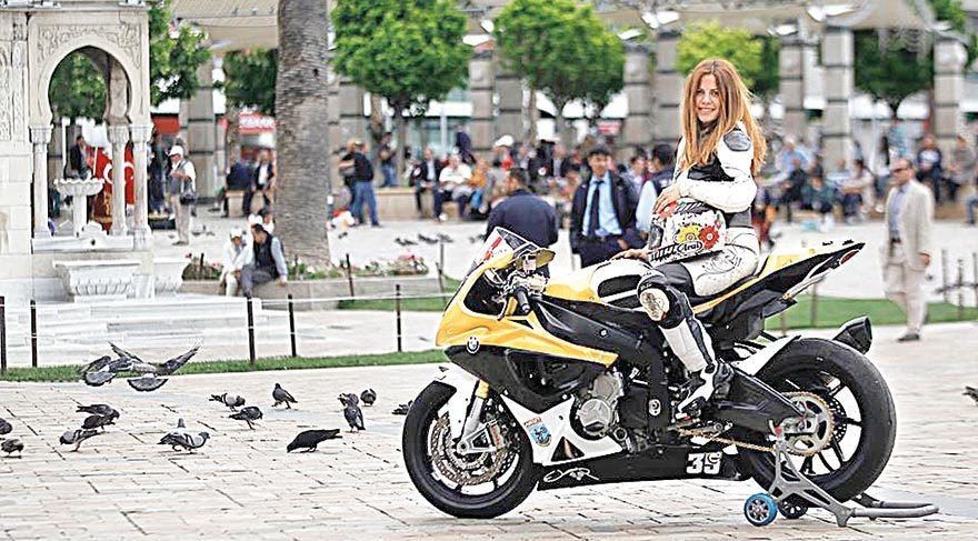 Nev'in motorcu güzeli