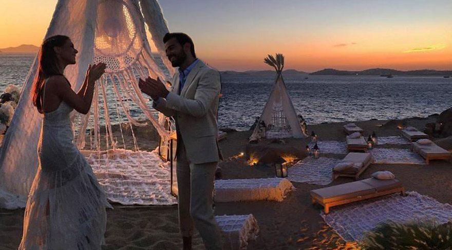 Pia Hakko'nun Mikonos'ta Kızılderili çadırında düğün töreni