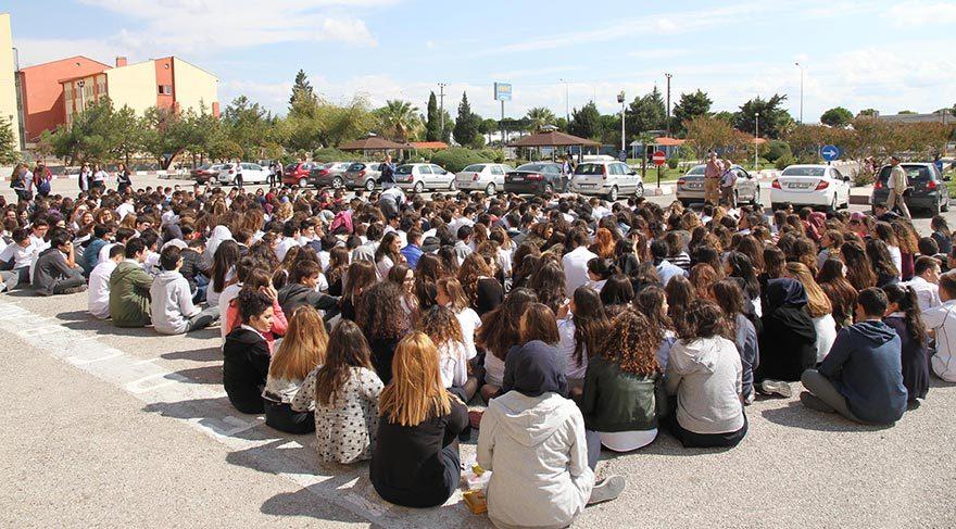 Öğrencilerden proje okul protestosu
