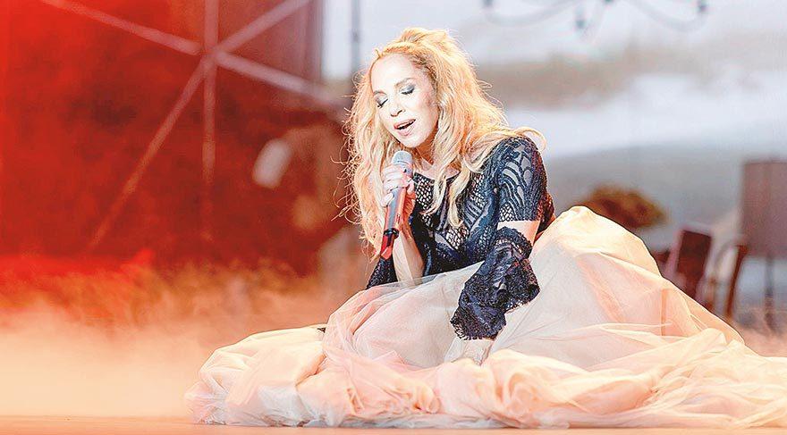 Sertab Erener konser gelirini 15 Temmuz Şehitlerine verecek