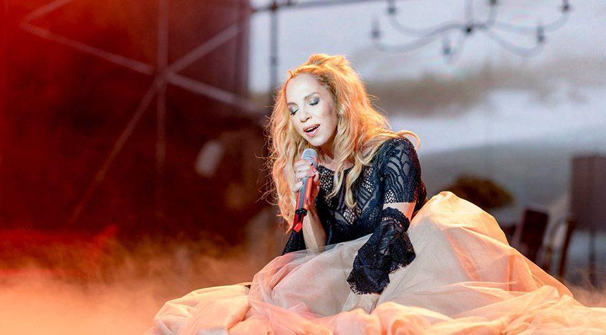 Sertab'ın konser geliri 15 Temmuz Şehitleri'ne gidecek