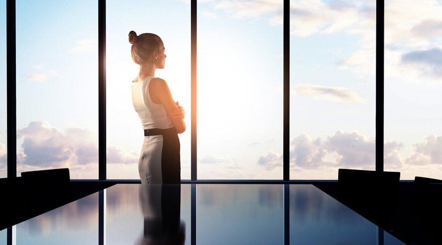 Oğlak: İşinizde ve kariyerinizde krizler yaratmamaya özen gösterin! Üstleriniz veya patronlarınız sizleri daha sert bir şekilde eleştirebilir, üstünüze gelindiğini hissedebilirsiniz. Bu hafta kontrol sizde aslında! Ilımlı olmaya ve alttan almaya çalışmanız yararlı olacaktır. Aynı zamanda Jüpiter/Terazi etkileşimi ile işinizle ilgili büyüme, daha kalabalık kesim tarafından tanınma, toplumsal statünüzde yükseliş meydana gelebilecektir.