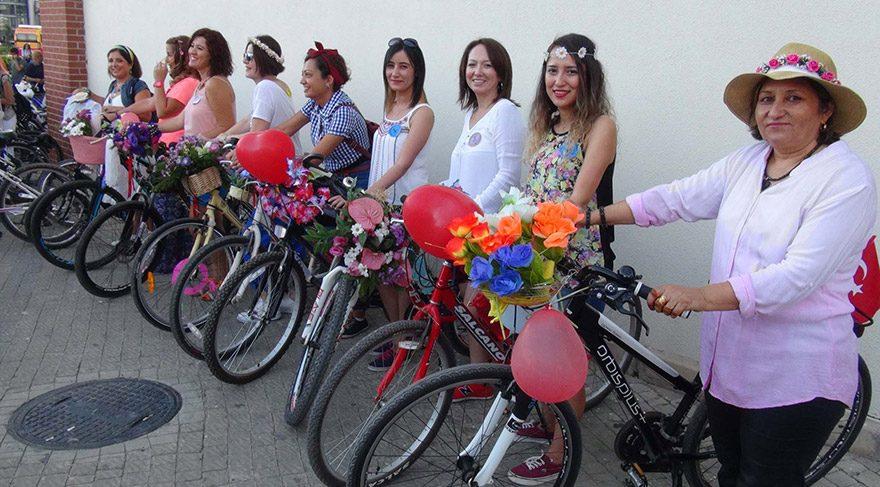 Türkiye'nin dört bir yanındaki 'Süslü Kadınlar' pedal bastı