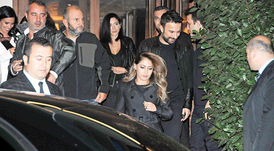 Tarkan ve Pınar Tevetoğlu gece gezmesinde görüntülendi