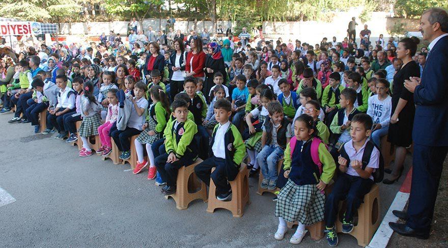 Tokat'ta öğrenciler ayakta kalmadı