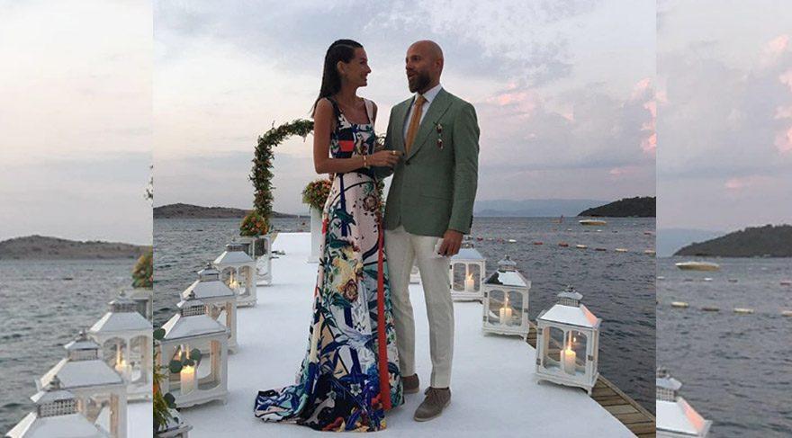 Yasemin Özilhan ve İzzet Özilhan Bodrum'da düğüne katıldı