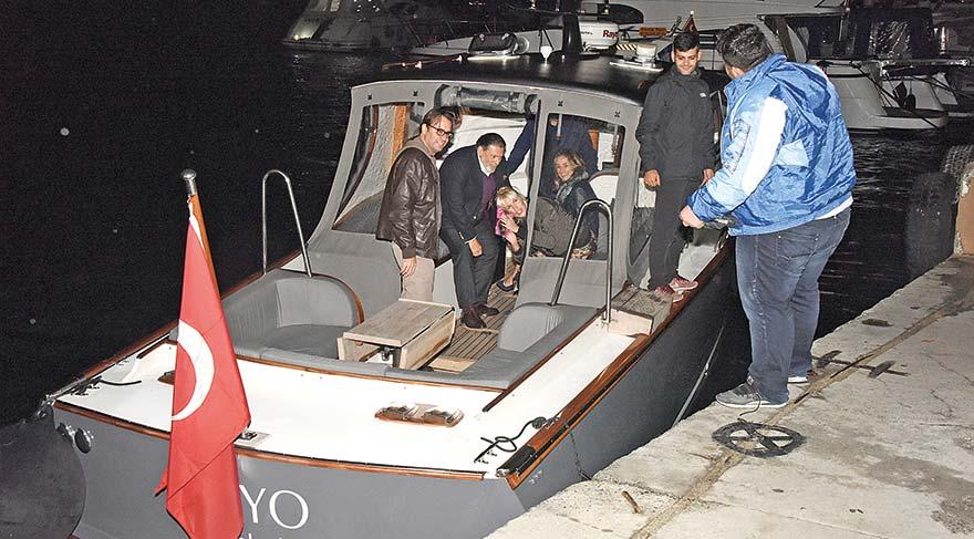 Eve tekneyle gittiler