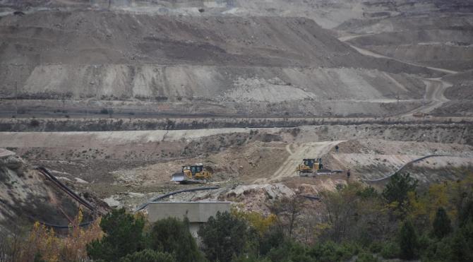 Köylüler siyanür baraj setinde çökme olduğunu iddia etti, şirket yalanladı