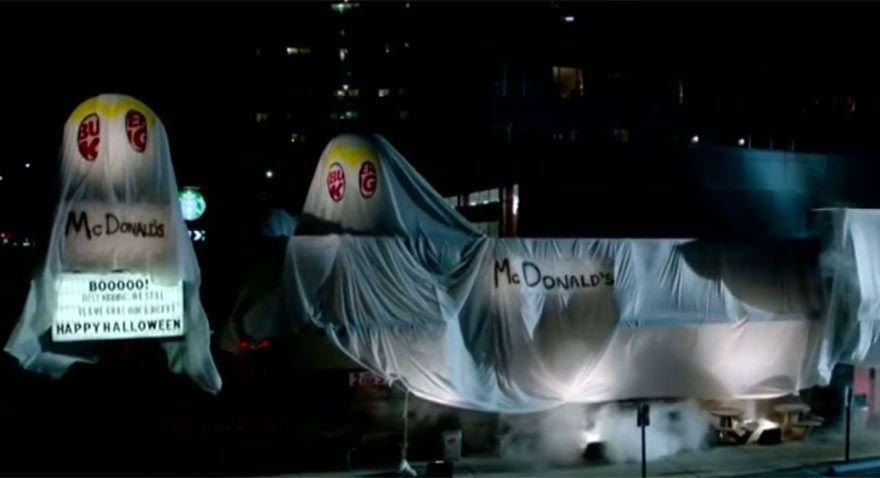 Burger King Cadılar Bayramı'nda McDonalds kostümü giydi