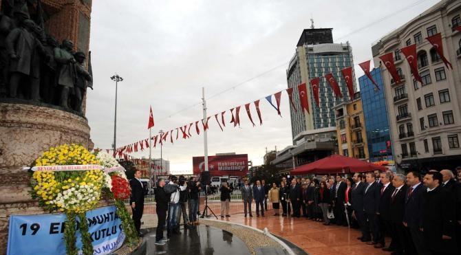 Taksim'de 'Muhtarlar Günü' töreni