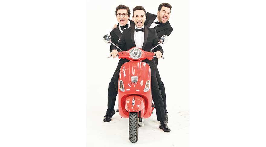 3 adam 1 motosiklet