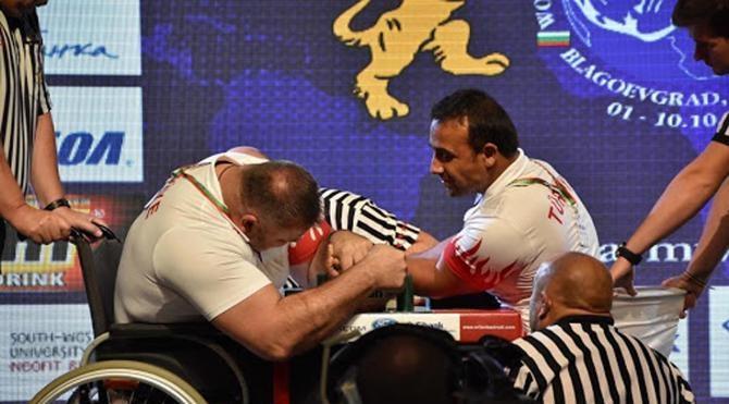 Dünya şampiyonu engelli sporcu hikayesiyle örnek oldu