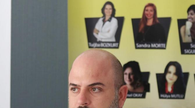 Erkekler saç ektiriyor, kadınlar yüz gerdiriyor