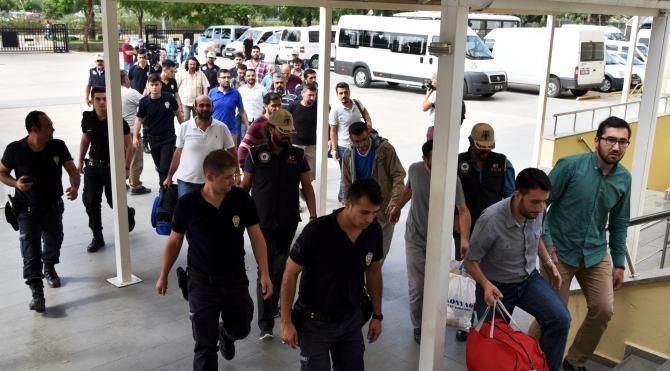 Antalya'da FETÖ'den 14 polis tutuklandı