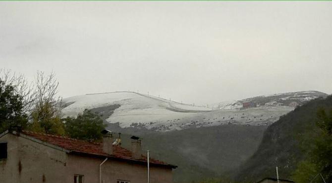 Akdağ'a kar yağdı