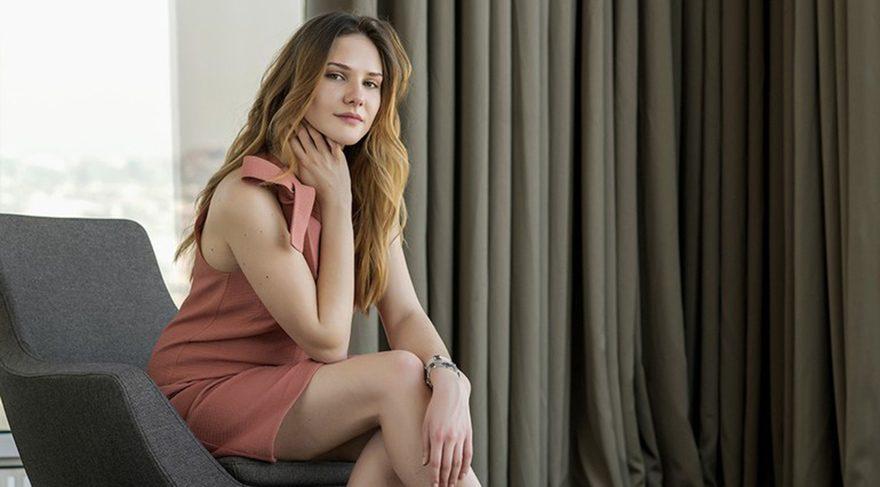 Alina Boz artık sevgilisiyle fotoğraf vermekten çekinmiyor