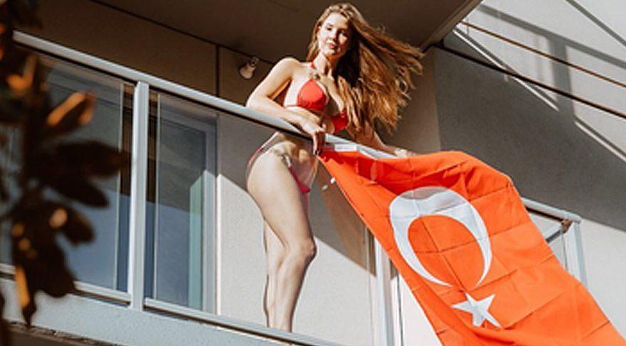 Amanda Cerny'den evlilik teklifinden sonra Türk bayrağı çıkışı