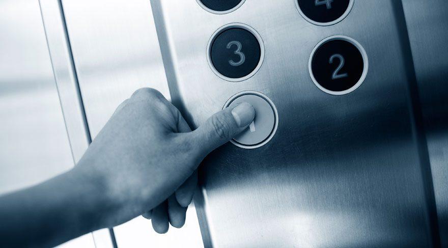 Hiç merak ettiniz mi? Asansörlerde neden ayna vardır?