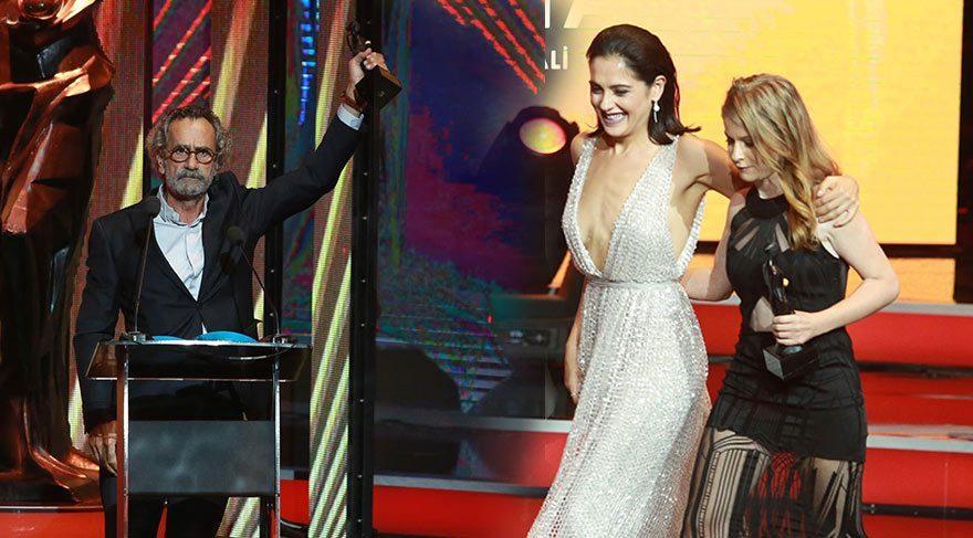 Gecede En İyi Erkek Oyuncu Ödülünü Menderes Samancılar, En İyi Kadın Oyuncu Ödülünü ise Ecem Uzun aldı.