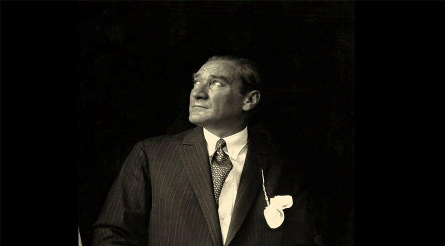 Ünlülerden sosyal medyada ortak Atatürk paylaşımı